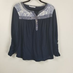 Maurices longsleeve floral knit top 1X blue white